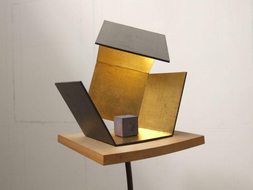 Cube dans sa boîte ouverte 2012